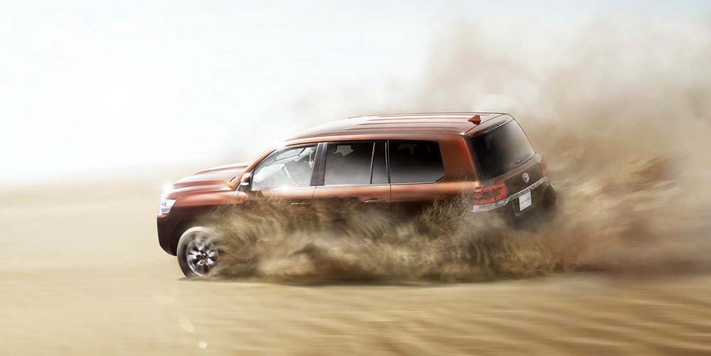 2016-toyota-land-cruiser-10