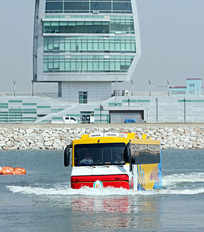 amphibian-bus-3