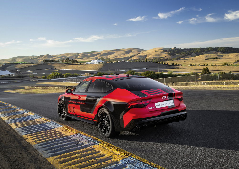 audi-rs7-piloted-driving-robby-6