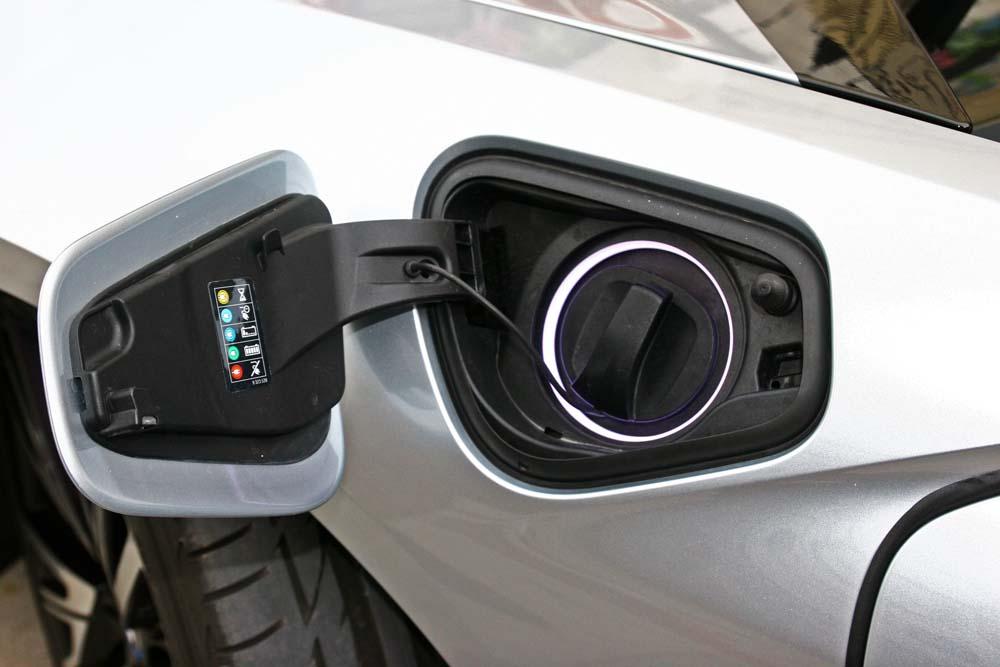 bmw-i8-caroto-test-drive-2015-27