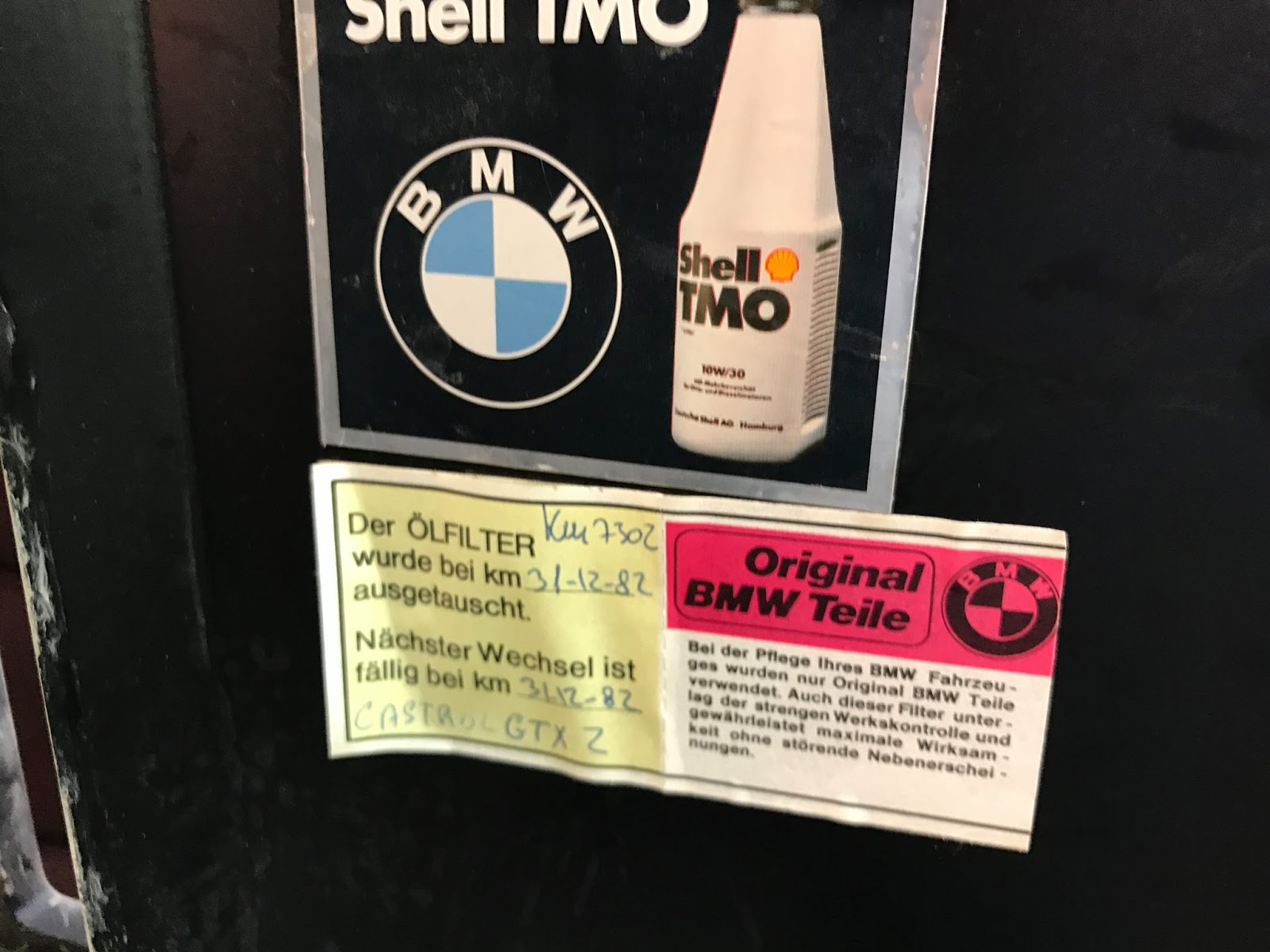 bmw-m1-barn-dust-3