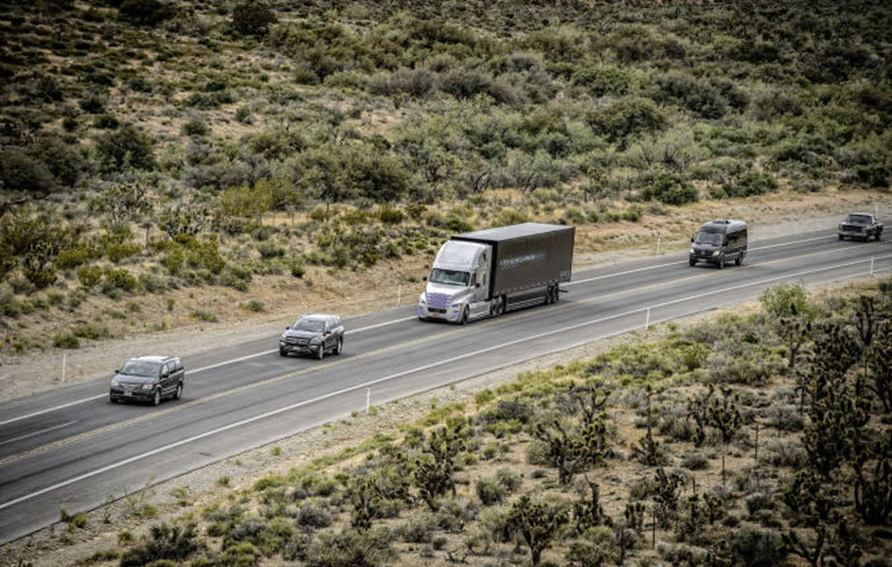 freightliner-inspiration-truck-6