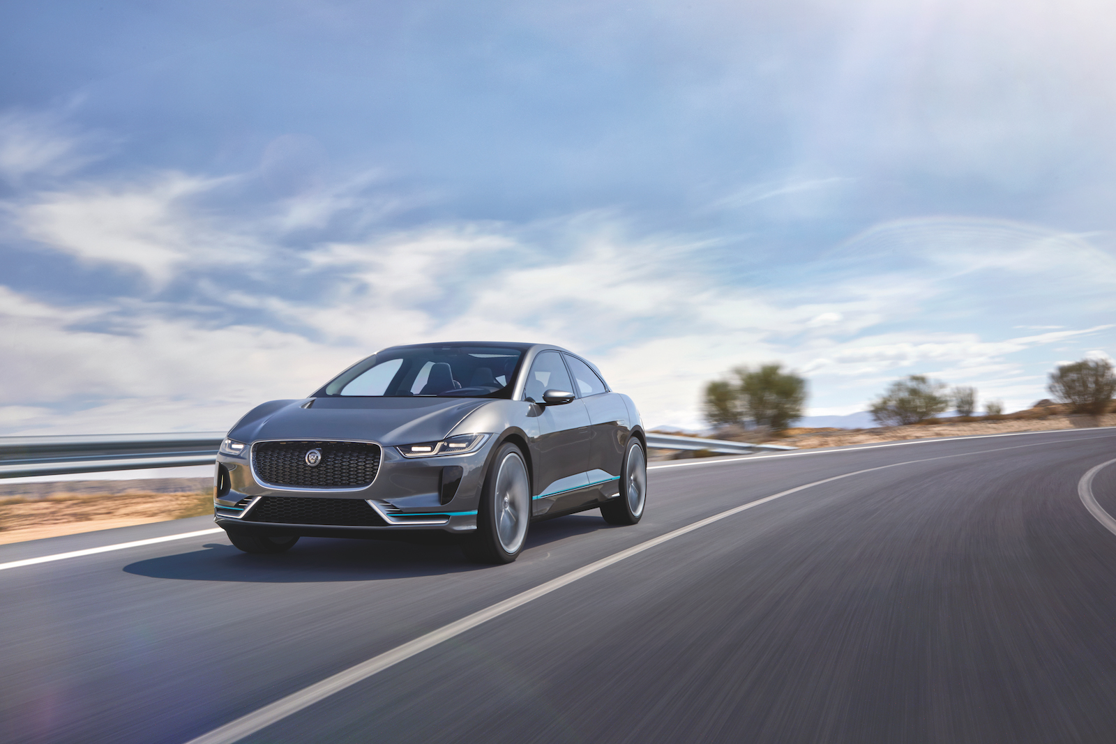 new-electric-jaguar-i-pace-crossover-concept-23