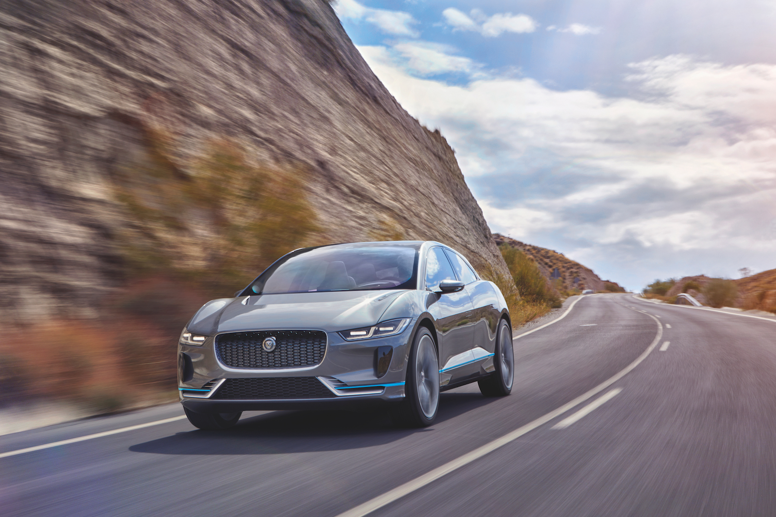 new-electric-jaguar-i-pace-crossover-concept-3