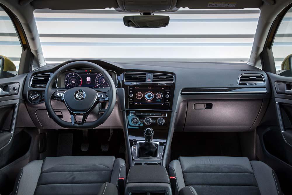 new Volkswagen Golf TSI 110PS caroto test drive 2017 (12)