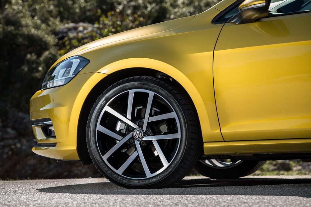new Volkswagen Golf TSI 110PS caroto test drive 2017 (18)