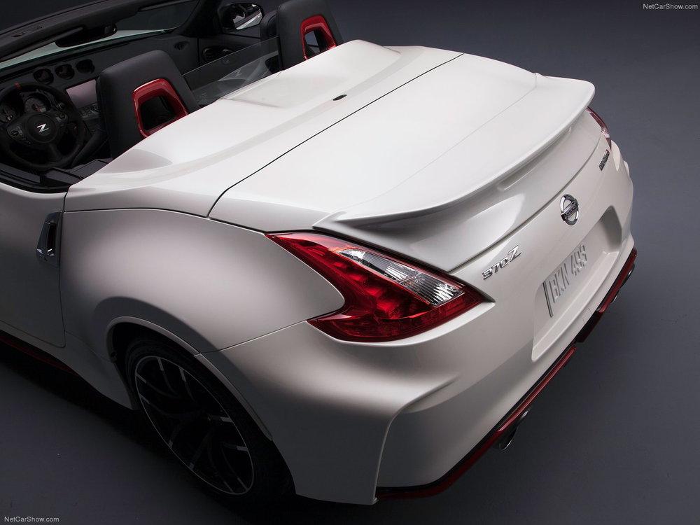 Tο Nissan 370Z Roadster και σε Nismo