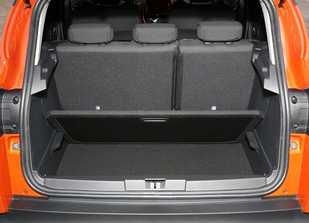 renault captur 1 2 tce test drive. Black Bedroom Furniture Sets. Home Design Ideas