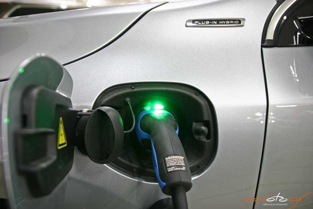 volvo-v60-plug-in-hybrid-caroto-test-drive-2015-32
