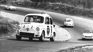 Το Abarth 1000 TC κυριάρχησε την δεκαετία του '60 στα πρωταθλήματα τουρισμού και βασιζόταν στο Fiat 600. Αποκορύφωμα η έκδοση TCR που απέδιδε 115 ίππους και έφτανε τα 200 χλμ/ώρα!