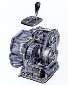 To Nissan Primera 2ης γενιάς με το κιβώτιο Hypertronic ήταν από τα πρώτα σύγχρονα μοντέλα με CVT που κυκλοφόρησαν το 2000 στην Ελλάδα