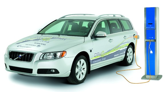 volvo-vattenhall-phev-and-charger2