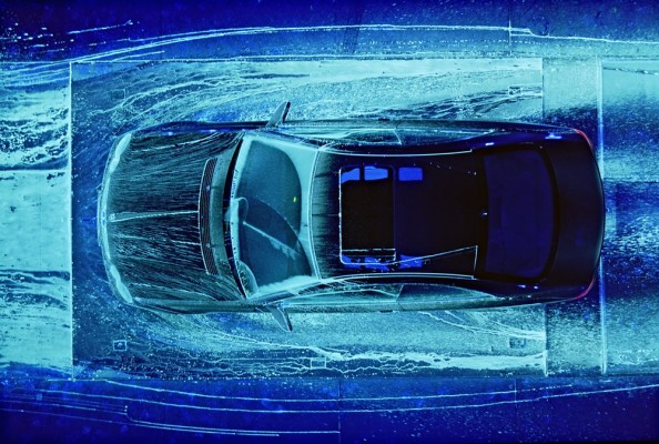 Υπεριώδης φωτογραφία σε αεροδυναμικά τεστ της νέας γενιάς Mercedes-Benz E-Class