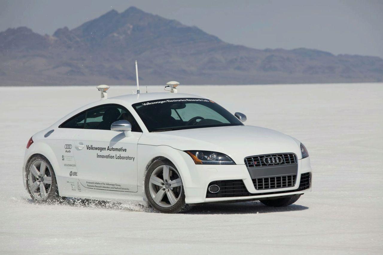 Photo of Ρομποτικό Audi TTS στο Pikes Peak!