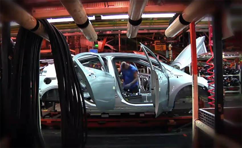 "Photo of Βίντεο: ""Μπείτε"" στην γραμμή παραγωγής των Nissan Leaf & Chevrolet Volt!"