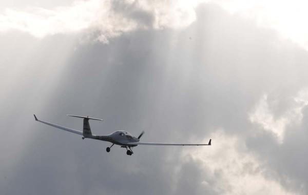 Das weltweit erste seriell-hybride Elektroflugzeug DA36 E-Star