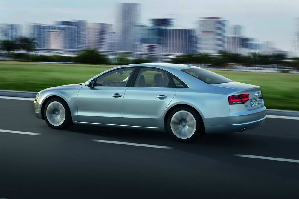 Photo of Audi A8 Hybrid [green]