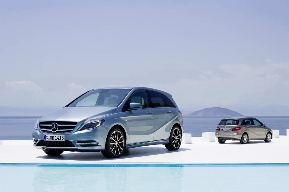 Photo of Mercedes-Benz B-Class 2012 [vid]