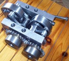 Κεφαλή DVVA από μονοκύλινδρο (διαμετρήματος 87 mm). Βαλβίδες εισαγωγής 32 mm(με μέγιστο βύθισμα 14 mm), βαλβίδες εξαγωγής 30 mm (με μέγιστο βύθισμα 12 mm).