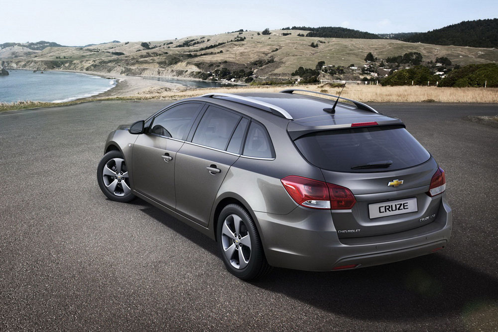 Photo of Chevrolet Cruze SW [new model]