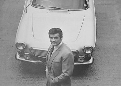 roger-moore_volvo-p1800