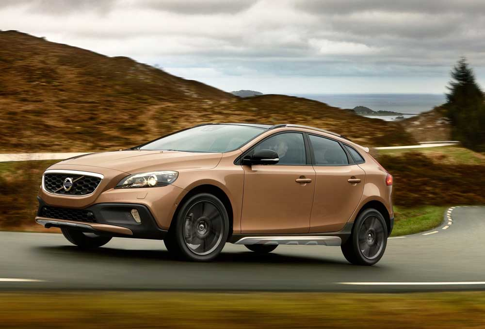Photo of Volvo, από 23.220€ το V40 Cross Country!