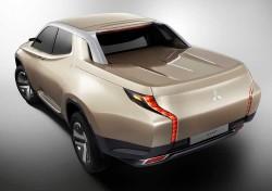 Mitsubishi-GR-HEV_Concept_2013_1000 (3)
