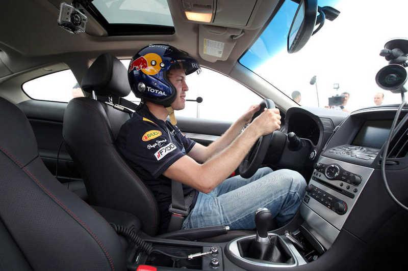 Photo of Στο γκαράζ των πιλότων της F1!
