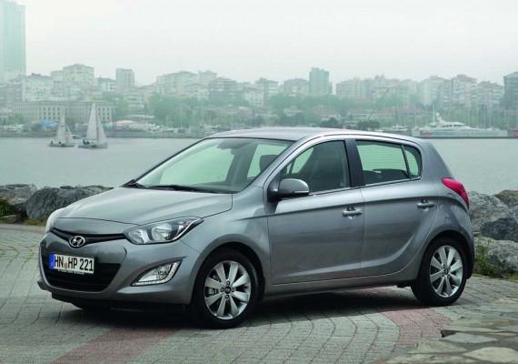 Hyundai-i20_2013_1000 (5)