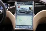 Tesla-Model_S_2013_screen (1)