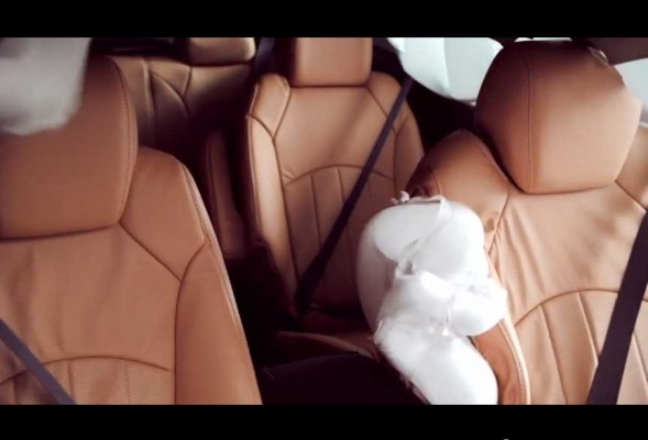 Chevrolet showcases front central airbag (2)