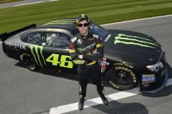 Valentino-Rossi-NASCAR-test drive (1)