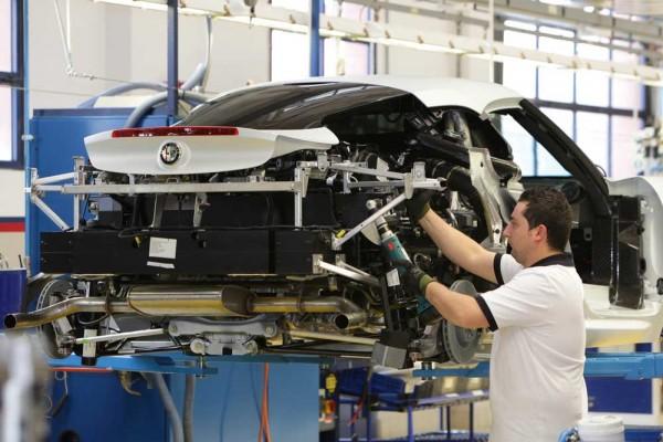 Alfa-Romeo-4C-in production line (38)