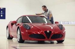 Alfa-Romeo-4C-in production line (48)