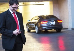 Audi-wireless-parking-payment-system (1)