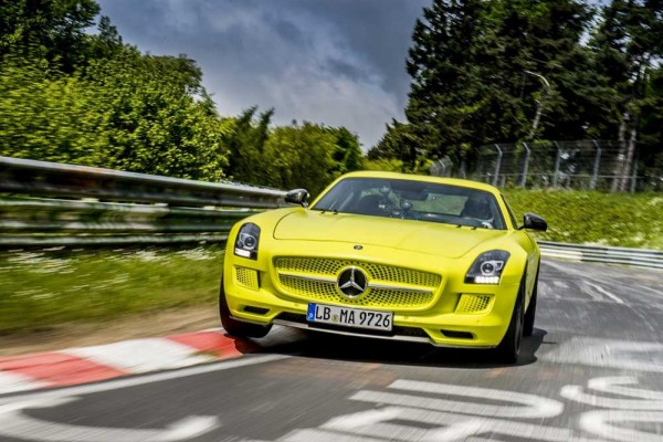 Mercedes-Benz-SLS-AMG-Coupé-Electric-Drive-3[2]
