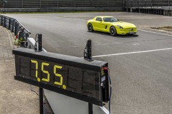 Mercedes-Benz-SLS-AMG-Coupé-Electric-Drive-rekord (2)