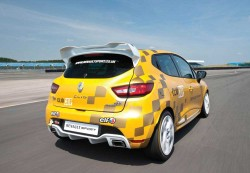 2014 Renault Clio Cup (1)
