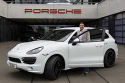 500000th-Porsche-Cayenne-1[4]