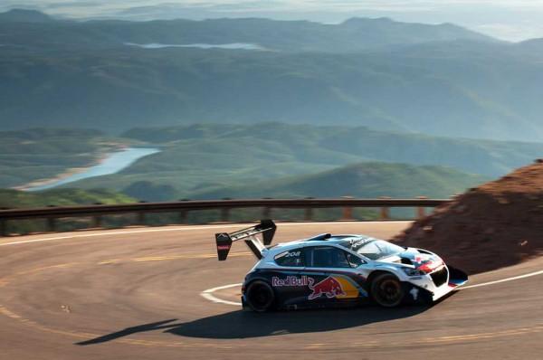 Loeb-Wins-New-Rekord-Pikes-Peak-Peugeot (7)