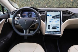 TOUCH-SCREENS-1-tesla-model-s