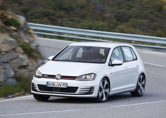 Volkswagen-Golf_GTI_2013_caroto_test (2)