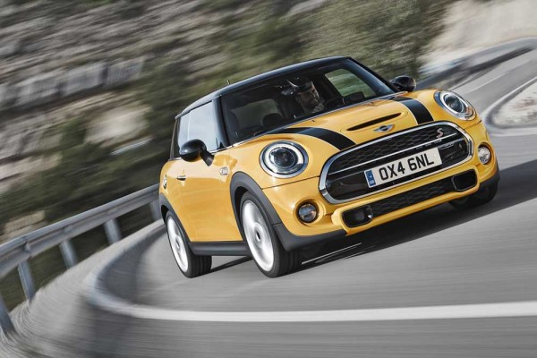2014 MINI officially revealed with three engines and gearboxes (7)