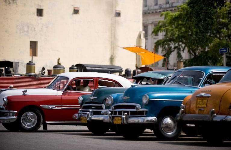 Photo of Έφυγε ο Φιντέλ Κάστρο, θα φύγουν και τα ρετρό αυτοκίνητα;