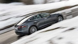 tesla model s winter snow driving