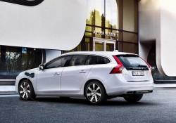 Volvo-V60_Plug-in_Hybrid_2014_234