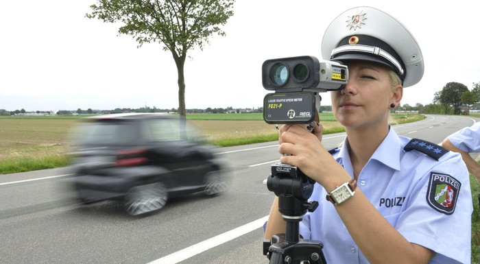 Photo of Κατάσχεση αυτοκινήτου στην Ελβετία για υπερβολική ταχύτητα!