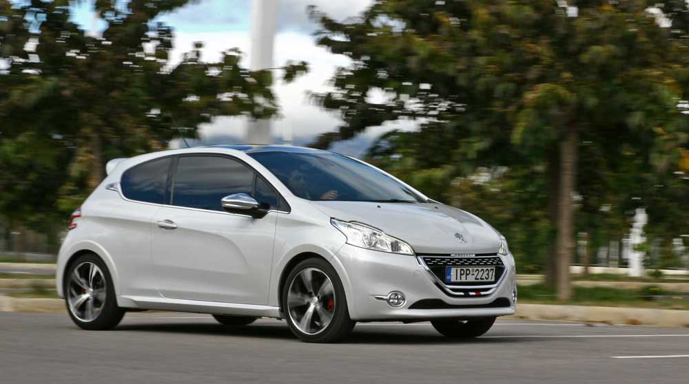 peugeot 208 gti test drive. Black Bedroom Furniture Sets. Home Design Ideas