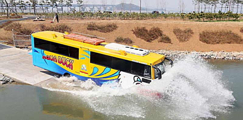 Photo of Αμφίβιο λεωφορείο από την Κορέα (και όχι από τον Καρέα)