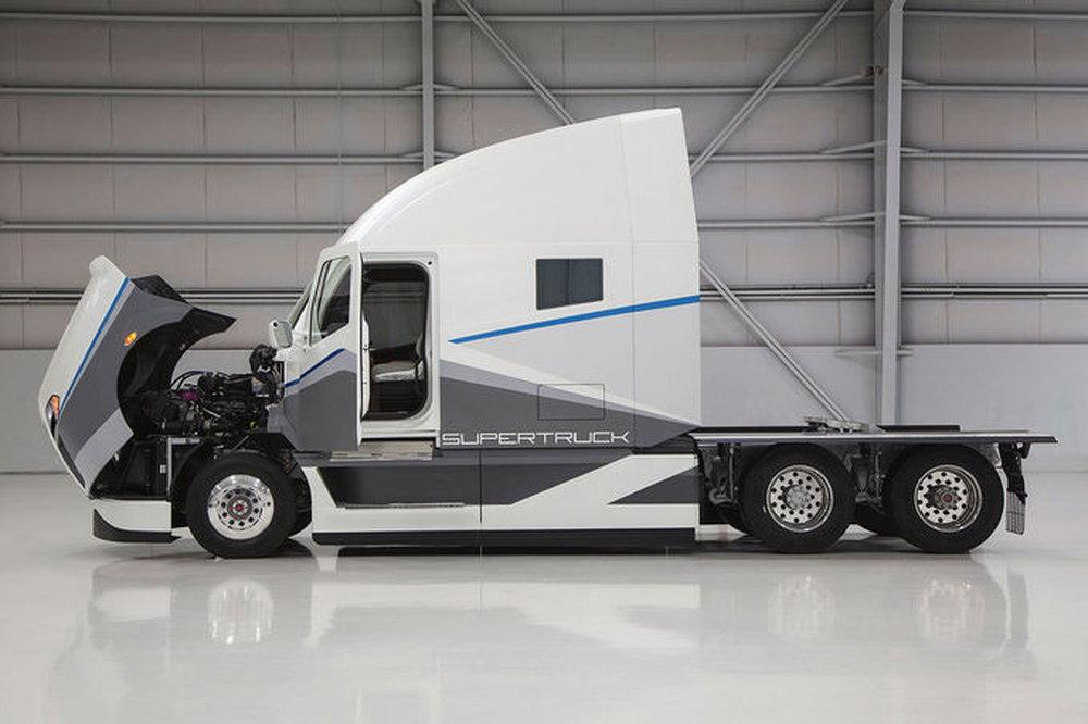 Photo of Ένα σούπερ φορτηγό από την θυγατρική Freightliner της Mercedes-Benz